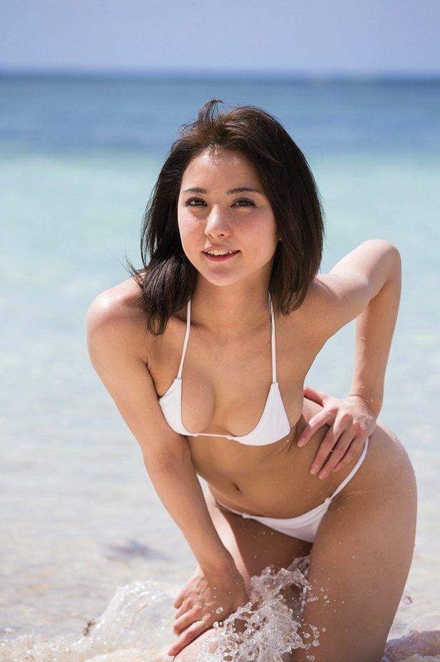 派手から清楚に変貌した、石川恋 (8)