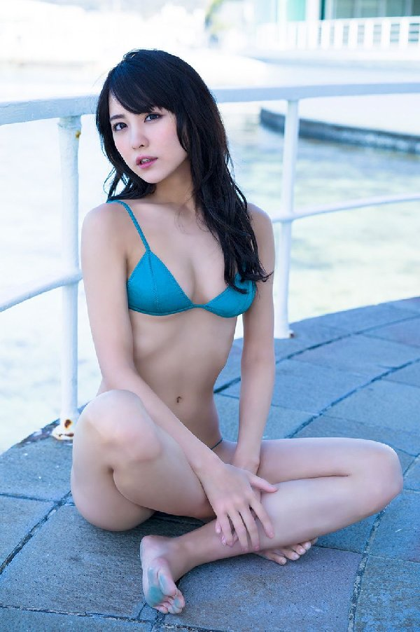 派手から清楚に変貌した、石川恋 (11)