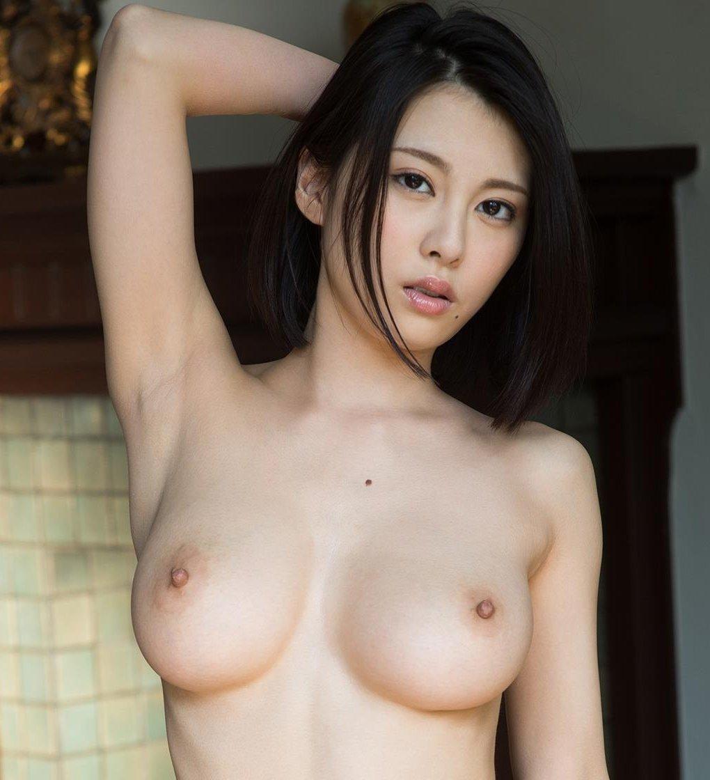 コンパクトグラマーな美女、松岡ちな (1)