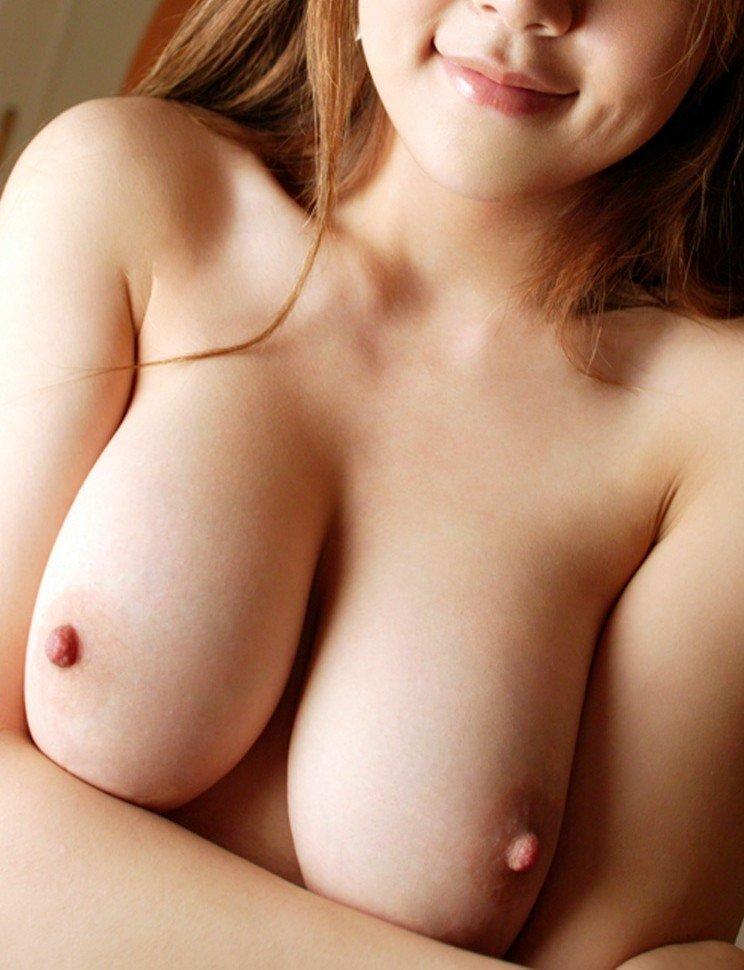 乳頭がキュートなオッパイ (5)