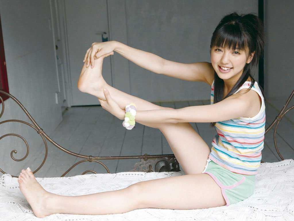 芸能人の脚や太腿 (8)