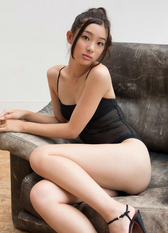 生足が綺麗な芸能人 (16)