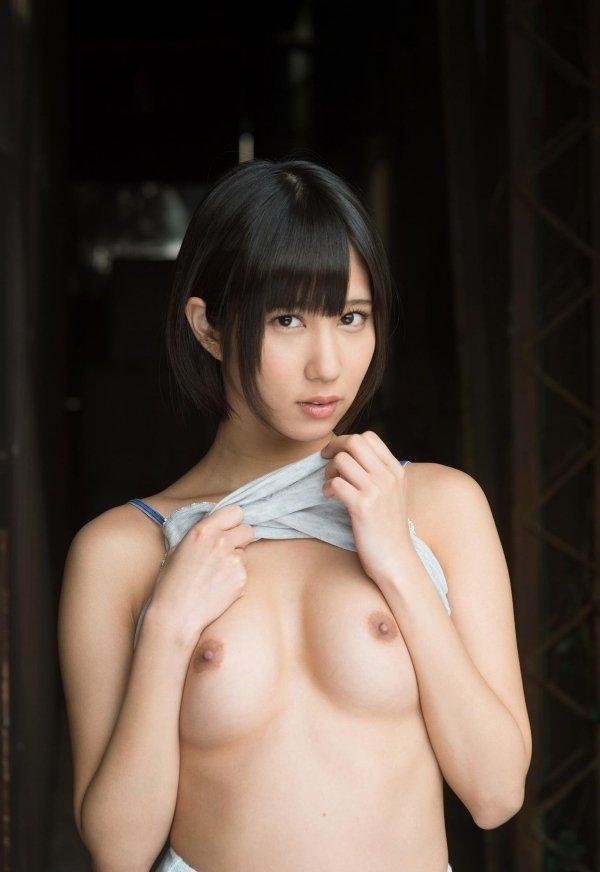 ショートカットの女の子、湊莉久 (2)