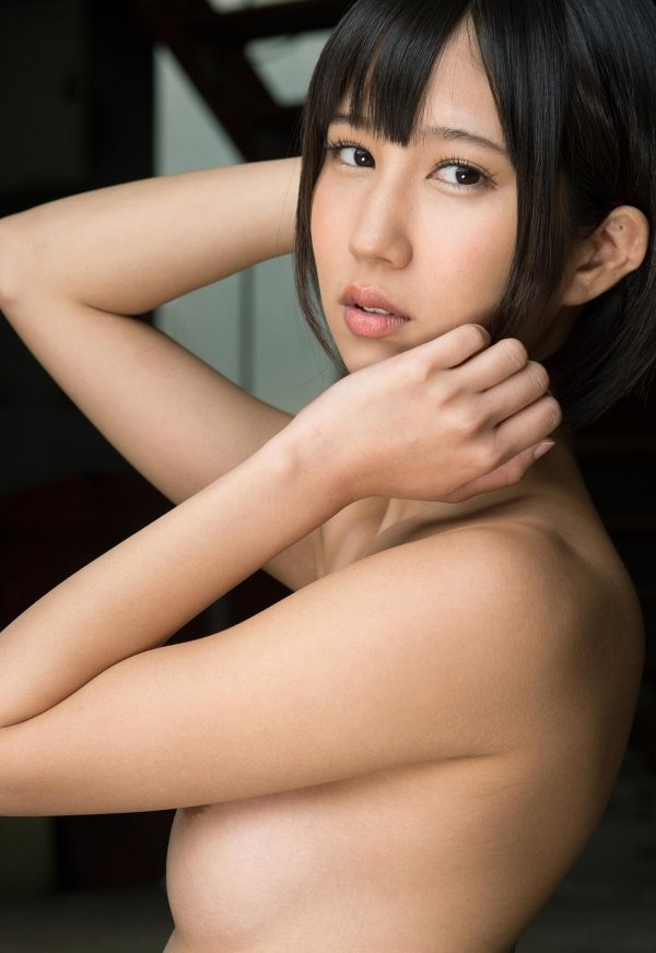 ショートカットの女の子、湊莉久 (4)