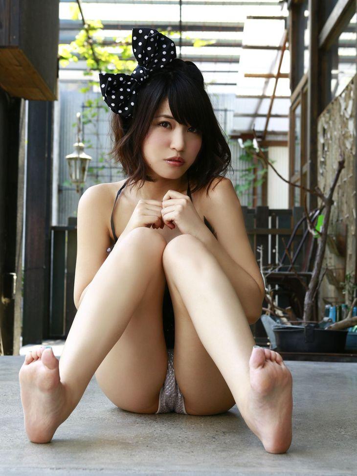 股間を見せつけるアイドル (6)