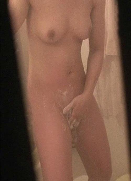 家に帰って入浴中 (9)
