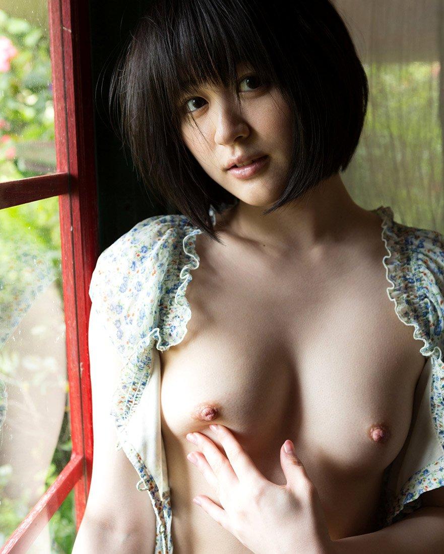 可愛い乳房の可愛い子 (1)