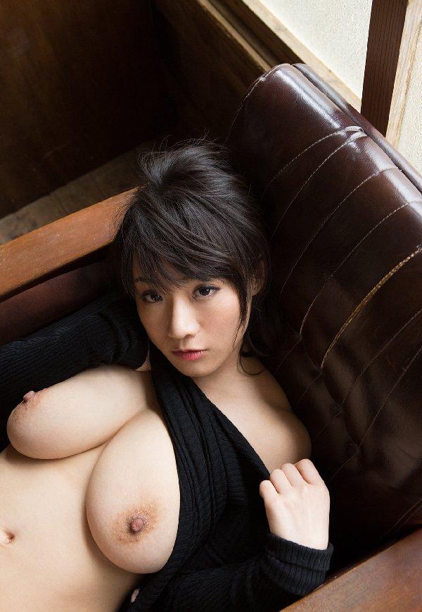 デカい巨乳が目を引く、澁谷果歩 (5)