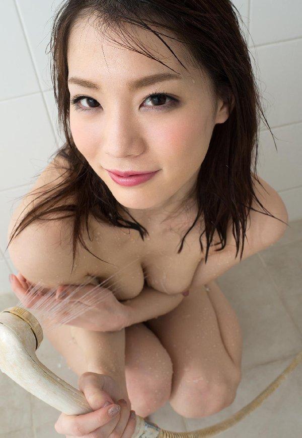 入浴中の裸 (9)