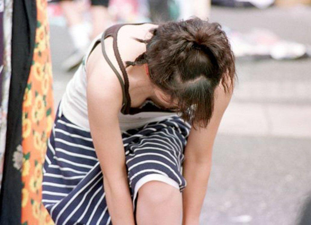 路上で見かけた乳房 (15)