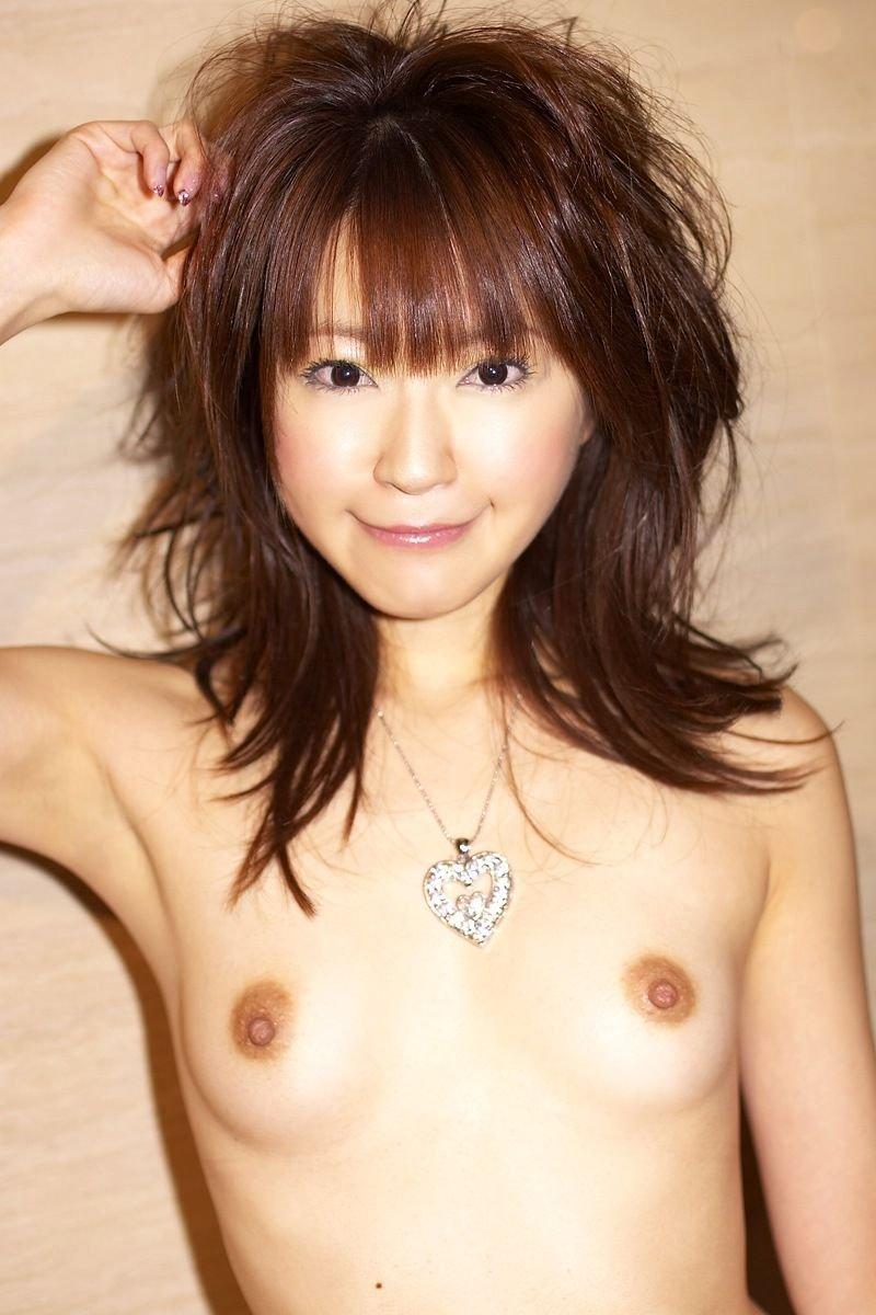小さめの乳房が好き (8)