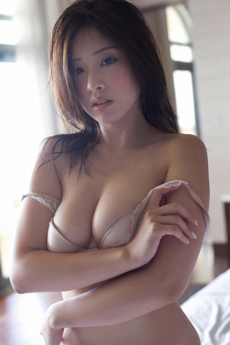 グラビアアイドルのデカパイ (7)