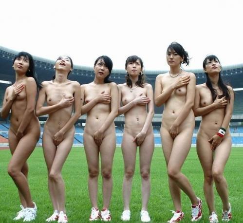 全裸軍団に混ざってみたい (6)