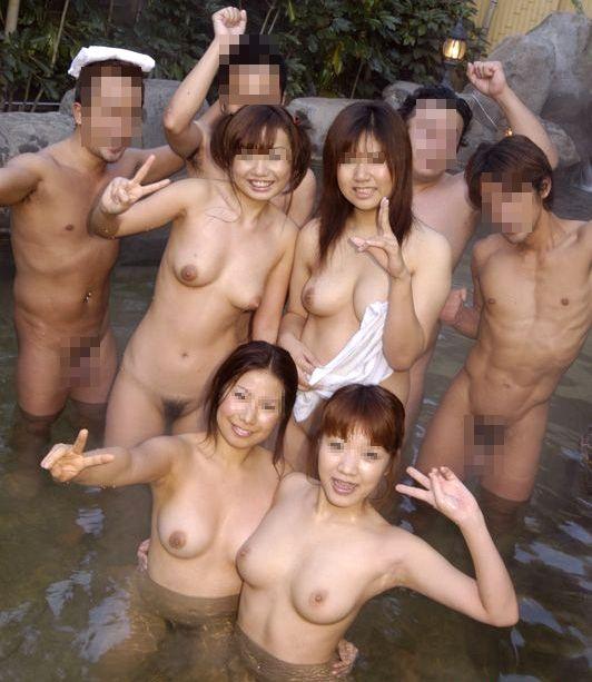 露天風呂で露出しちゃう (20)