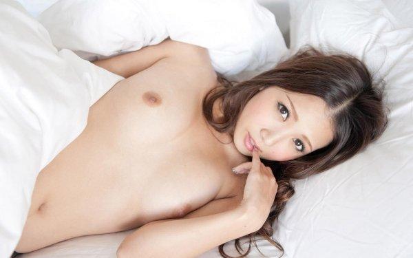 細身で美乳の淫乱お姉さん、友田彩也香 (4)