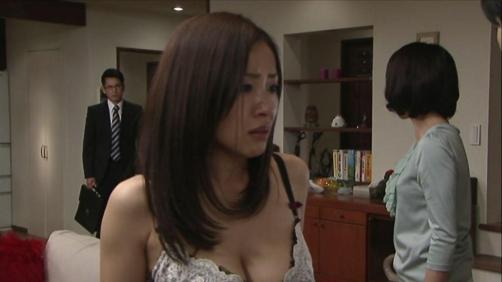 テレビでもエロいシーンが楽しめちゃう (11)