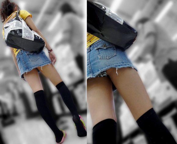 スカートの中から尻がハミ出てる (3)