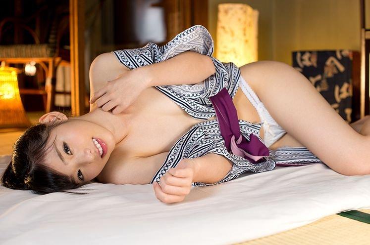 可愛い顔で快感に震える、谷田部和沙 (5)