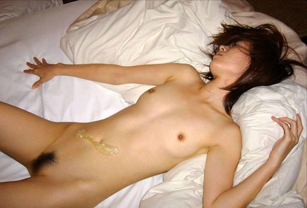SEXが終わってグッタリ (3)