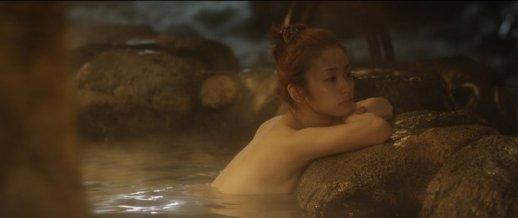 温泉の場面で見えかけるアイドル (9)