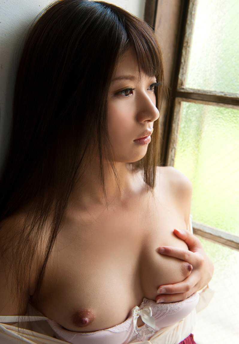 デカくて美しい乳房 (14)