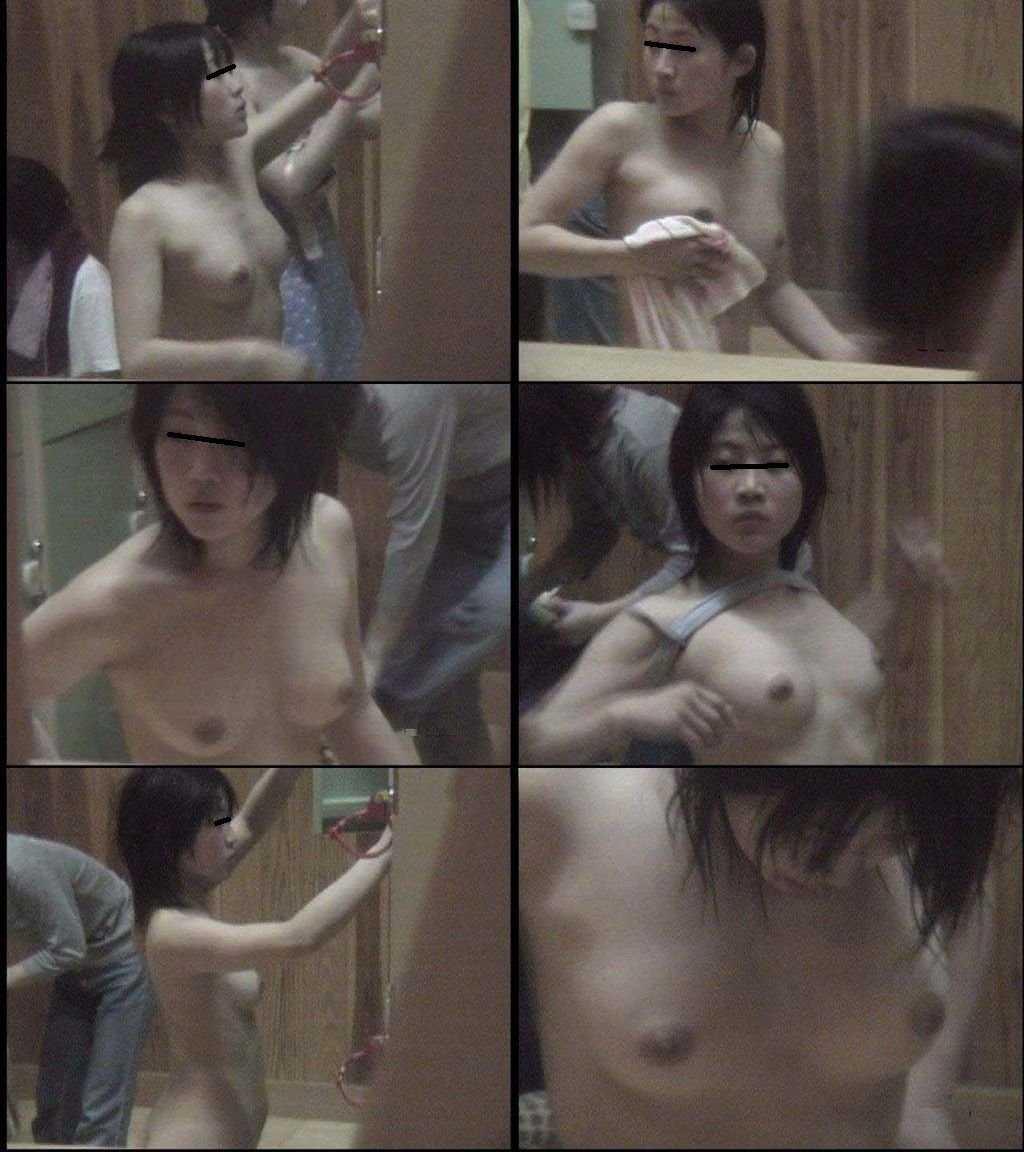脱衣の最中の裸をコソッと見る (16)