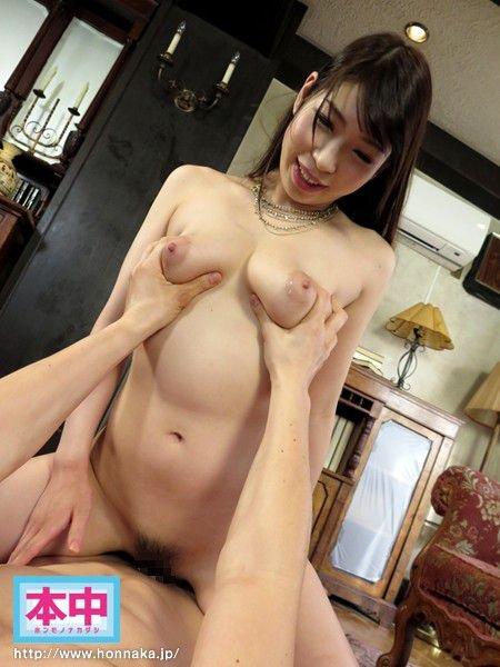 背が高くて乳房も大きな、香山美桜 (18)