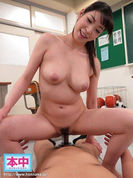 背が高くて乳房も大きな、香山美桜 (19)