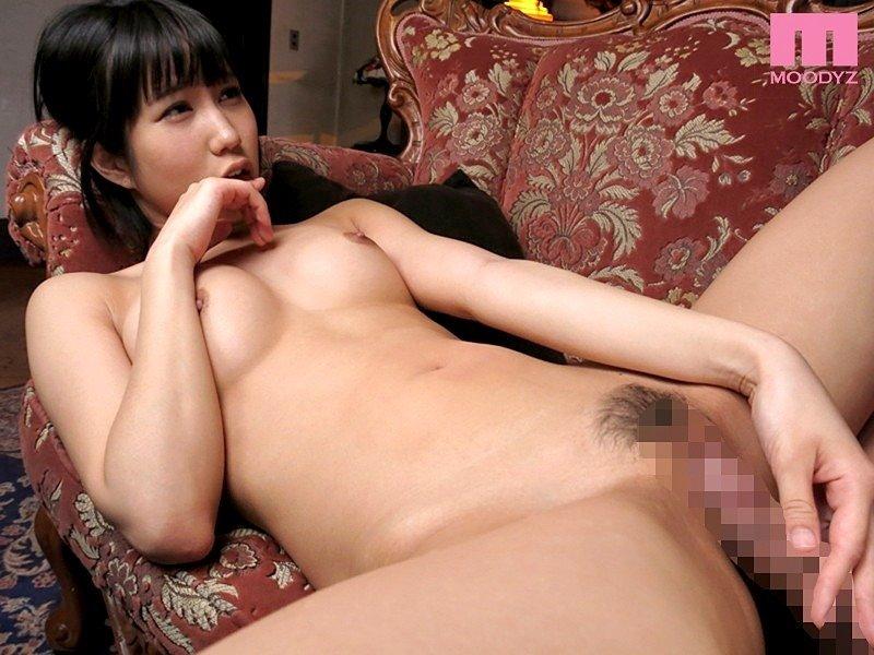 ショートヘアで淫乱の、湊莉久 (18)