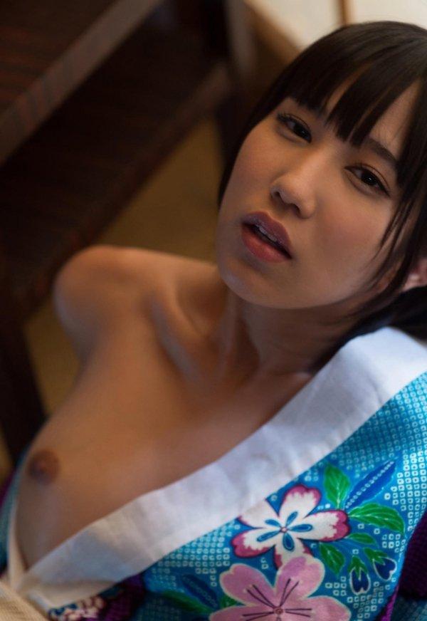 ショートヘアで淫乱の、湊莉久 (2)