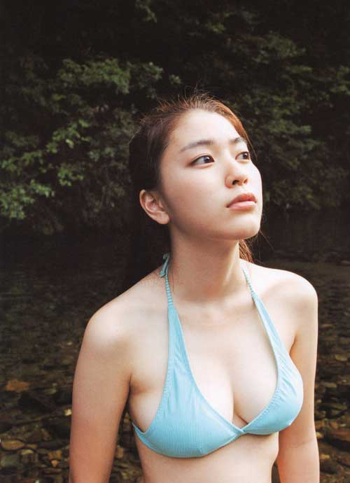 デカパイの芸能人がセクシー (5)