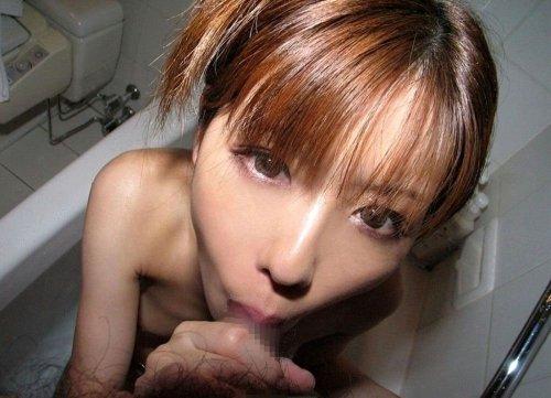 舐めながら目を合わせる女の子 (19)