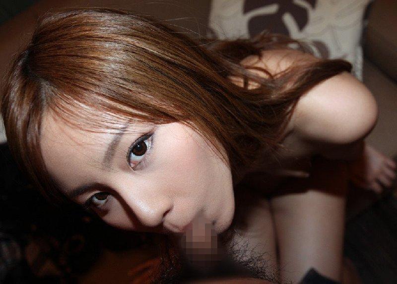 舐めながら目を合わせる女の子 (17)