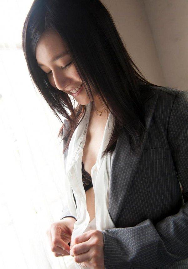 可愛い顔して淫乱な女の子、古川いおり (2)