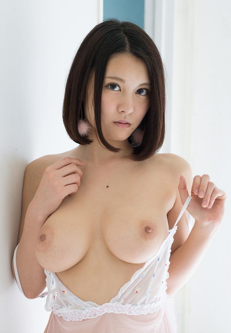 巨乳で挟んで射精させちゃう、松岡ちな (1)