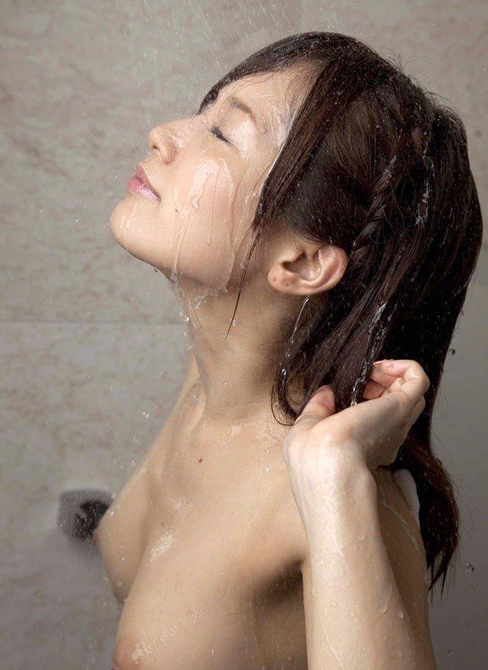 濡れた裸がセクシー (9)