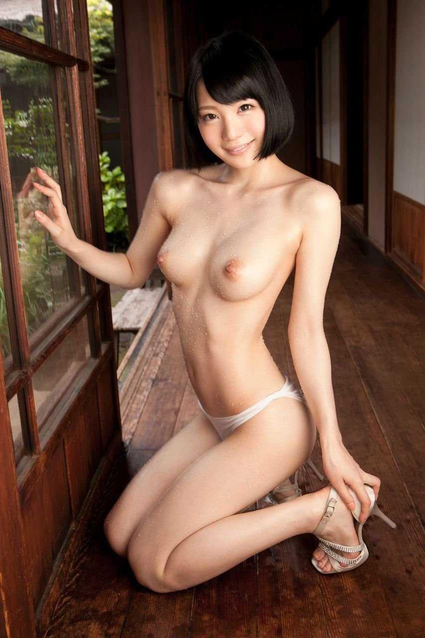 乳房がデカくて体は細い女 (15)