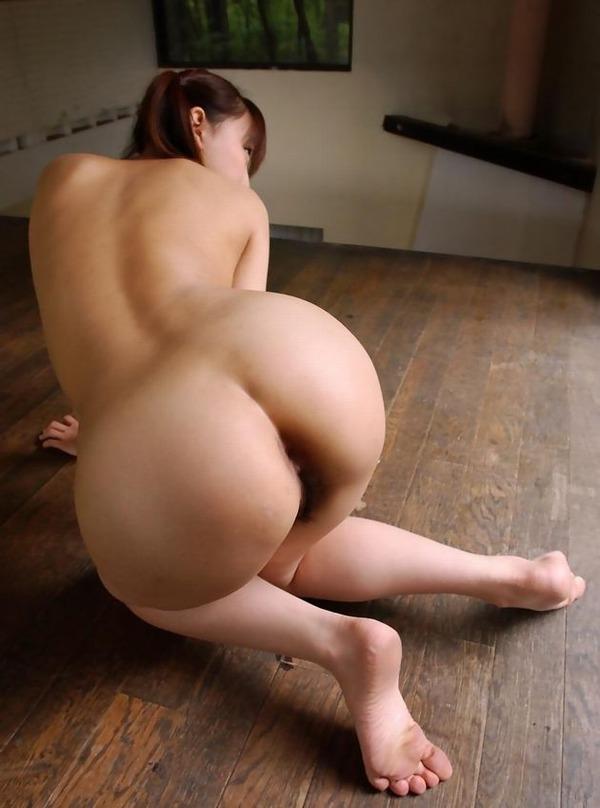 ケツを見せつける女 (18)