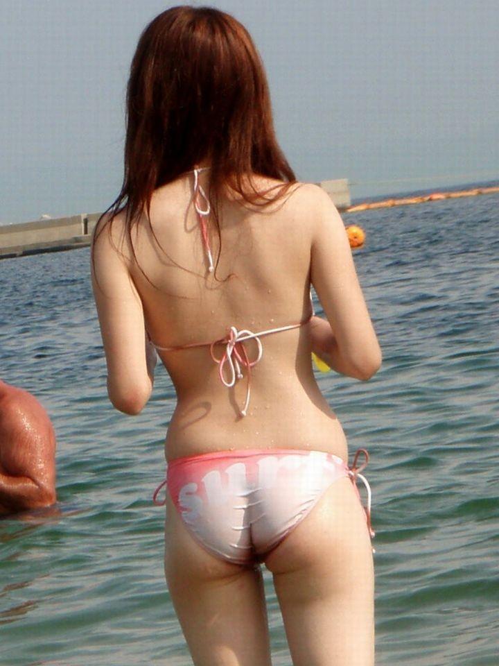 ビーチの水着娘が健康的エロ (2)