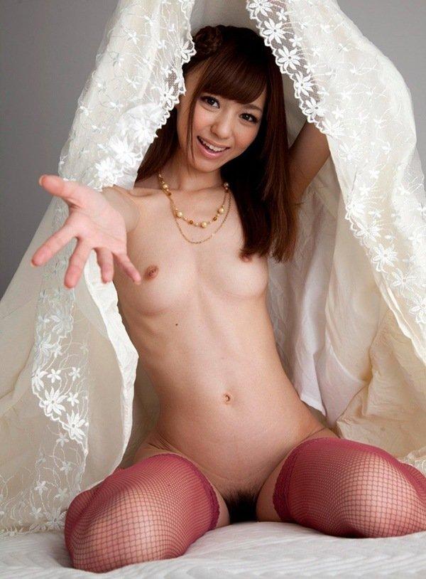 裸に網タイツの組み合わせがエロい (10)