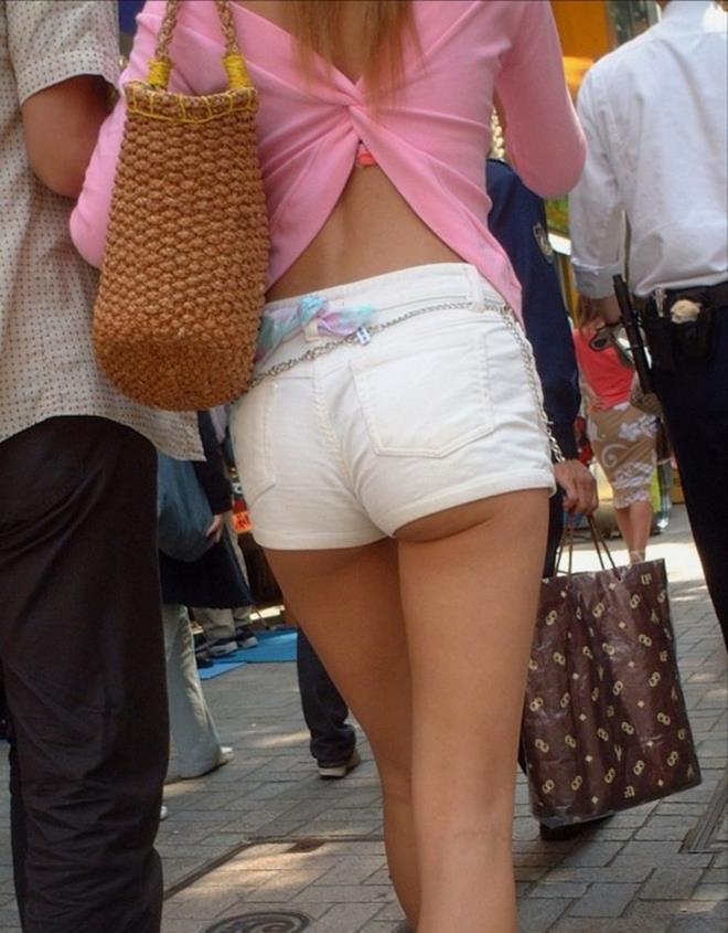 ショートパンツが健康的セクシー (11)