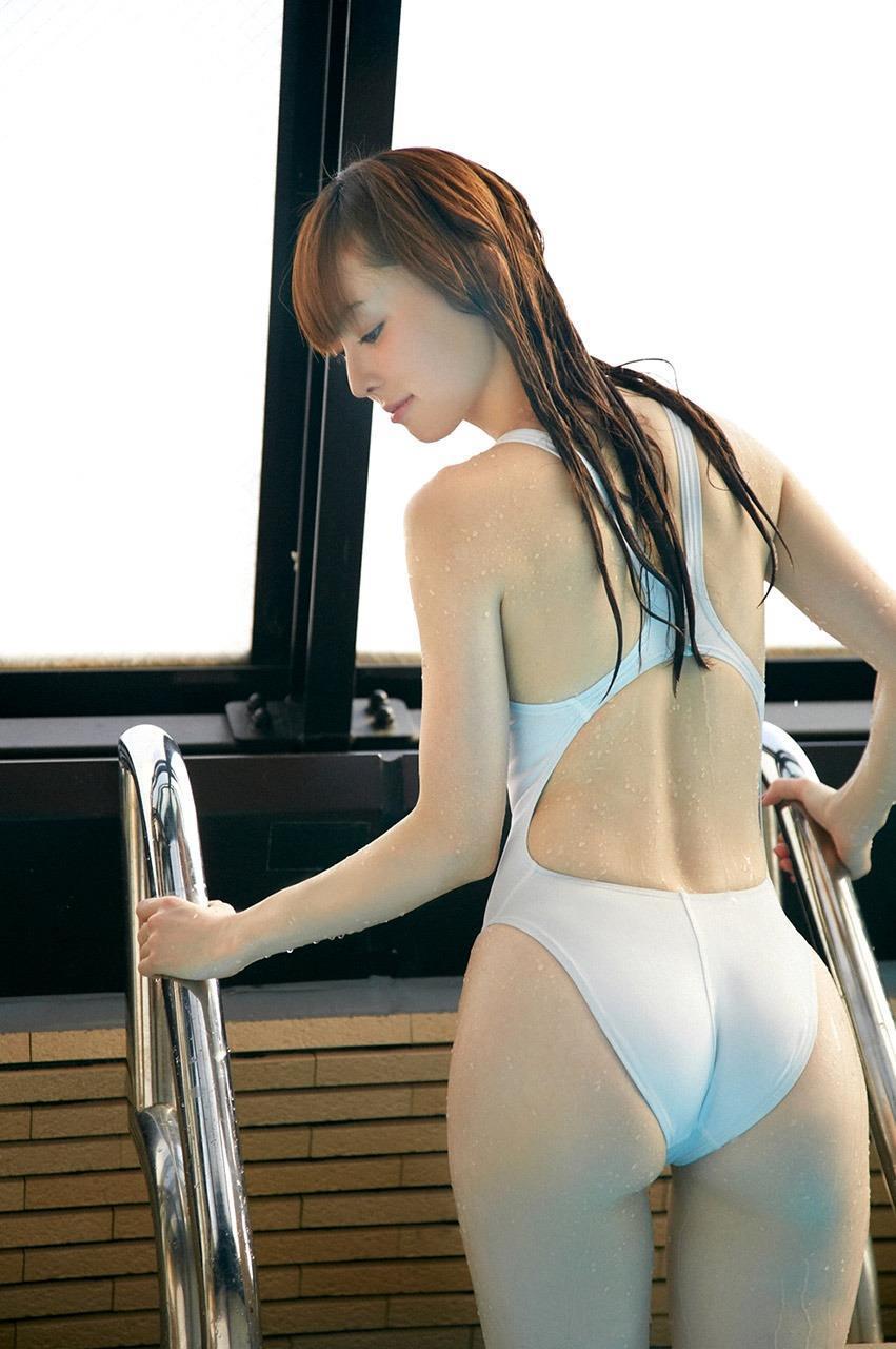 アイドルの競泳水着がセクシー (17)