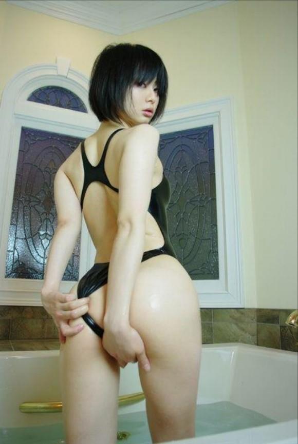 アイドルの競泳水着がセクシー (8)