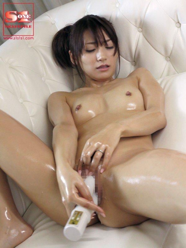 人妻も似合う熟した美女、香西咲 (11)