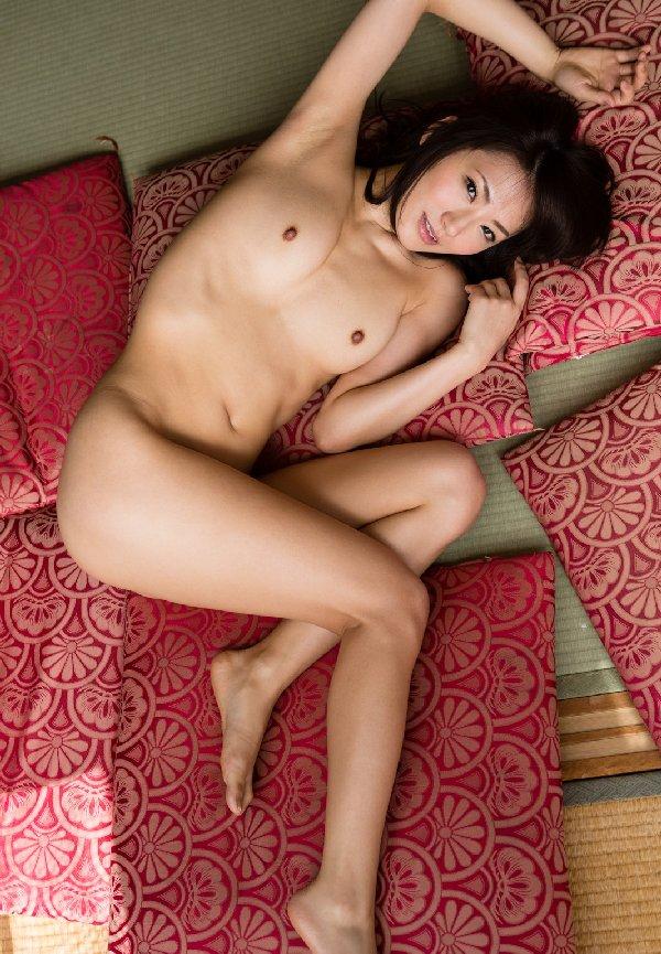 人妻も似合う熟した美女、香西咲 (10)