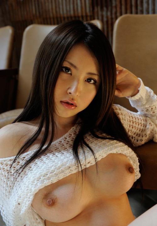 美しく重量感のある乳房 (6)