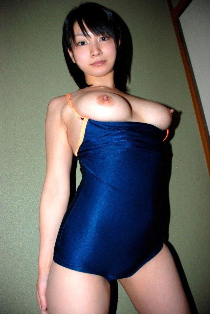デカい乳房を飽きるまで触りたい (18)