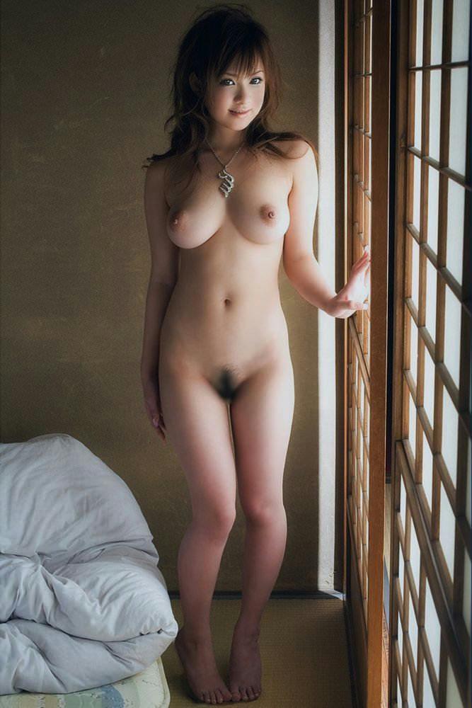 キュートな女性のセクシーなヌード (18)