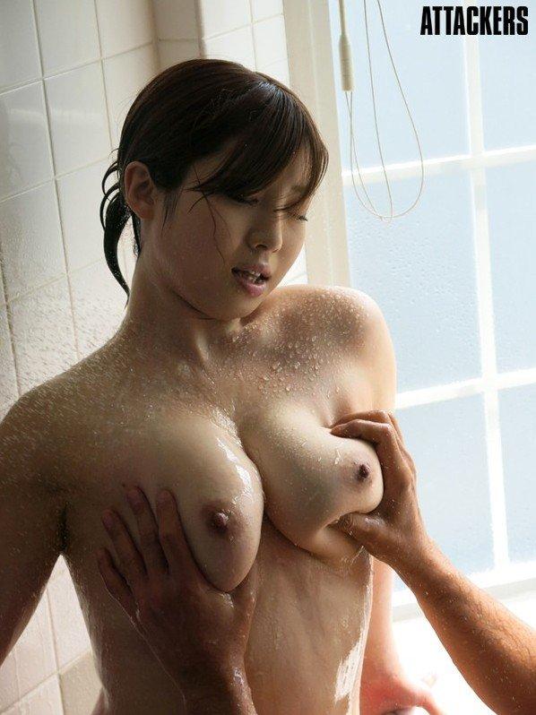 巨乳でパイズリして濃厚な性交、中村知恵 (12)