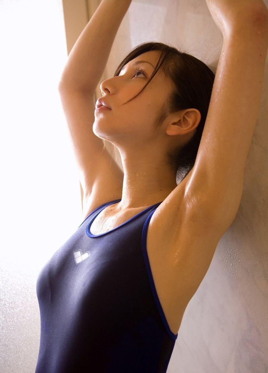 セクシーな腋の下を見せる (3)